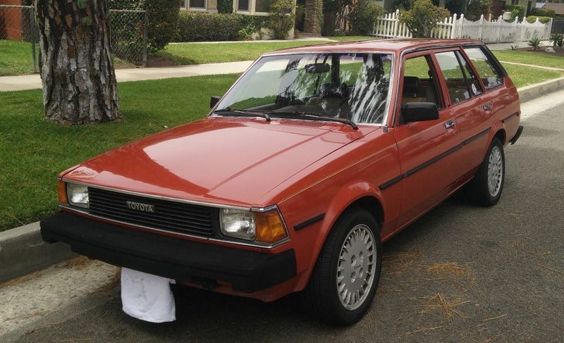 Illustration for article titled For $3,800, This 1983 Toyota Corolla Wagon Could Be Your Empty Canvas For Fun