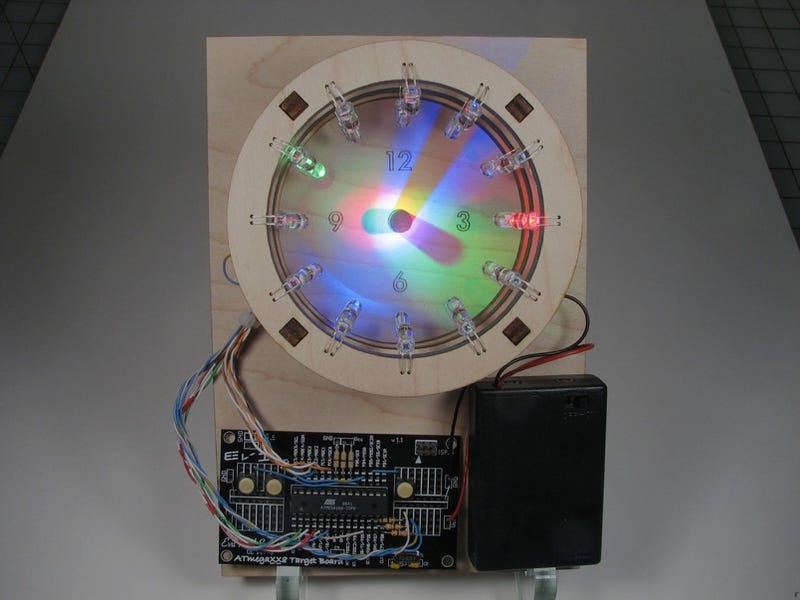 Illustration for article titled Brilliant Bulbdial Clock Becomes a Reality