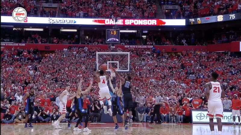 Illustration for article titled Incredible Syracuse Buzzer-Beater Puts Duke In The Toilet Where They Belong