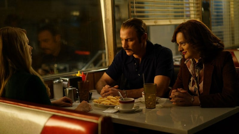 Liev Schreiber as Chuck Wepner and Elisabeth Moss as Phyllis Wepner in Chuck. (Photo: Sarah Shatz / IFC)