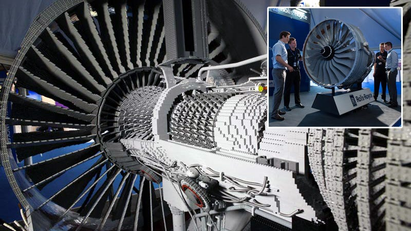 Illustration for article titled 152,455-Piece Rolls-Royce Engine Is the Most Complex Lego Machine Ever Built