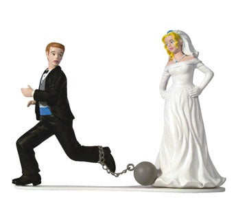 Illustration for article titled What Are The Pros & Cons Of Getting Married?