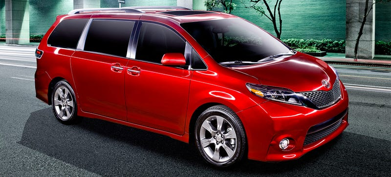 Illustration for article titled The 2015 Sienna Has a Mic to Help You Shout All the Way to the Back Seat