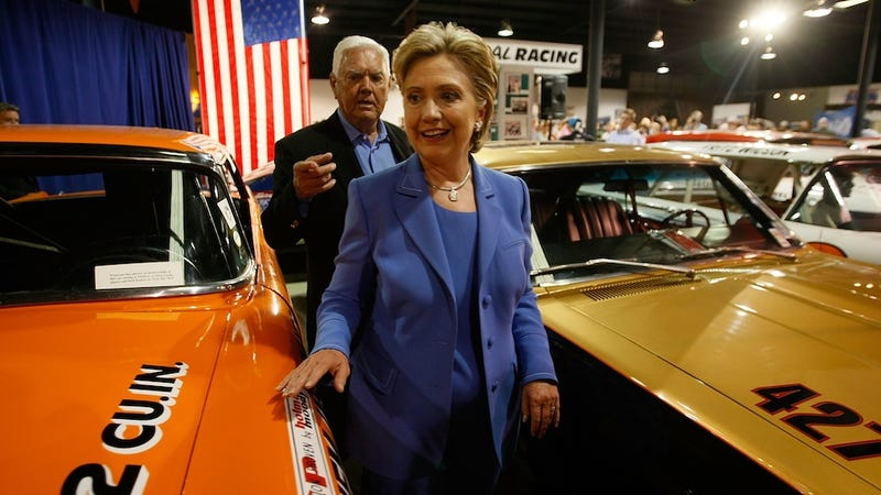 Illustration for article titled Hillary Clinton Says She Hasn't Driven a Car Since 1996
