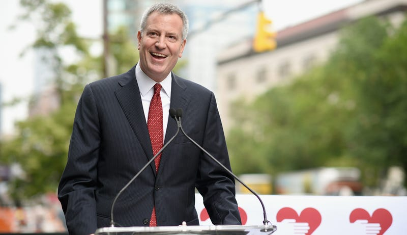 Illustration for article titled After Failing At Jokes, Bill de Blasio Tries Poetry