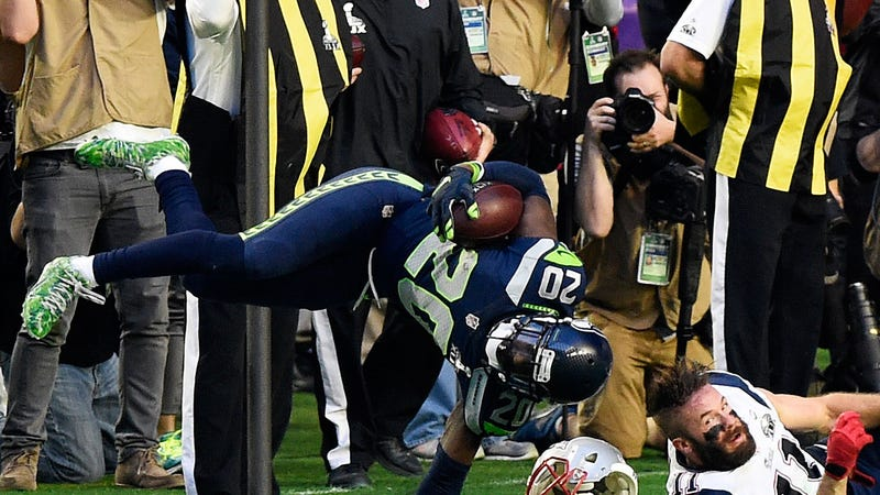 Illustration for article titled Jeremy Lane's INT Came At A Cost: This Very Gross Injury