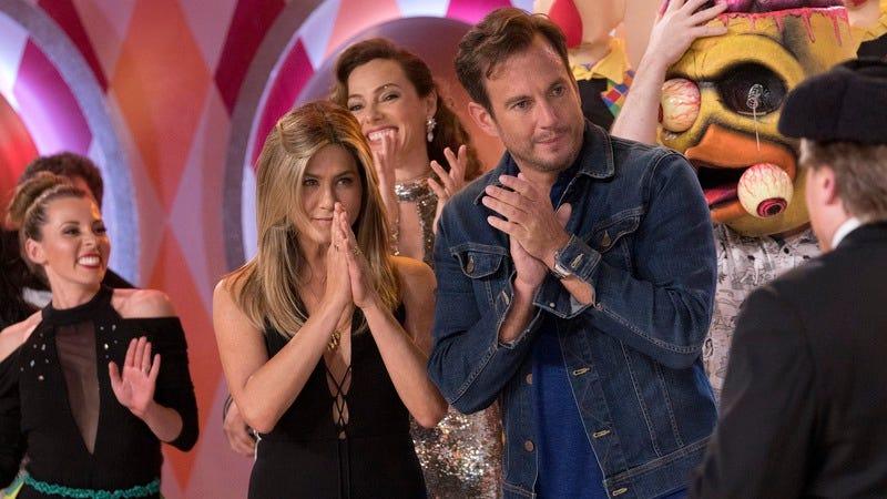 Jennifer Aniston and Gong Show executive producer Will Arnett (Photo: Greg Gayne/ABC)
