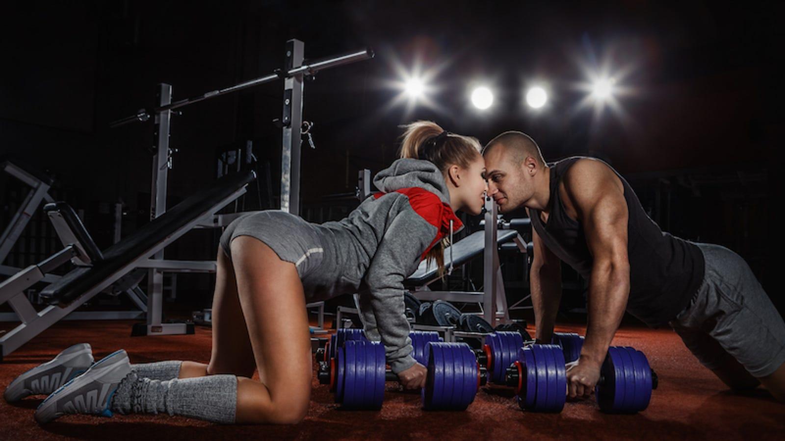 Gym sex naked foto 9
