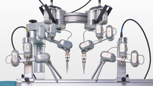 Robot That Can Perform  Supermicrosurgery  Passes First Test in Humans