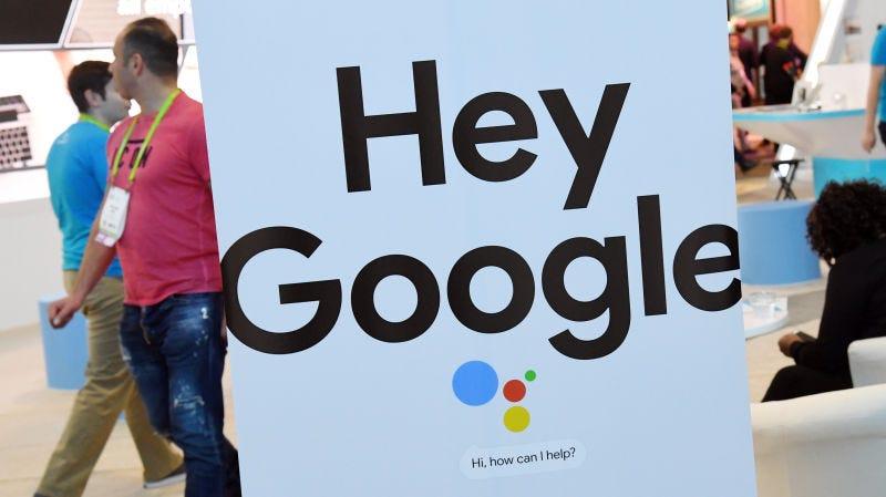 """Illustration for article titled Algo muy raro pasa si tecleas """"the1975..com"""" en tu aplicación de búsquedas de Google para Android"""
