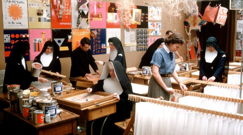 Illustration for article titled Corita Kent: How a Screenprinting Nun Changed the Course of Modern Art