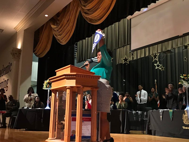 Whitehaven High School Student Zariah Nolan celebrating her educational success (Zariah Nolan via Twitter)
