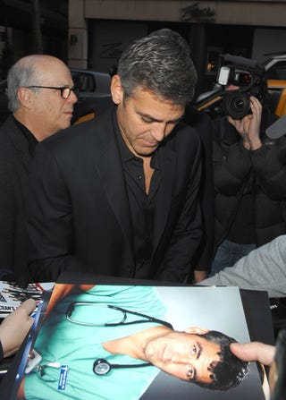 Illustration for article titled George Clooney Faced With Blast From The Past