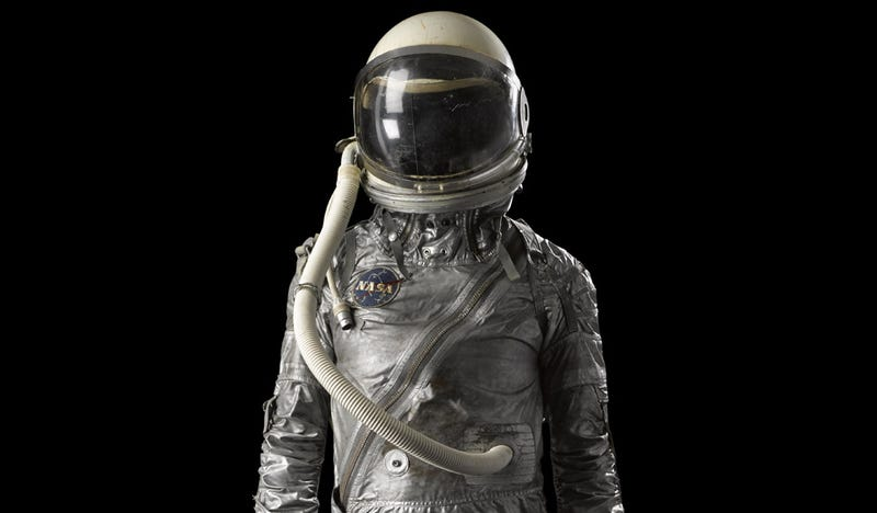 Illustration for article titled Soviet and American Space Suits For Sale at This Other-Worldly Auction
