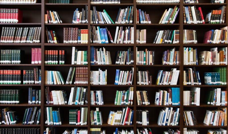Illustration for article titled Una mujer descifra los códigos secretos inventados por los ancianos que acuden a una biblioteca
