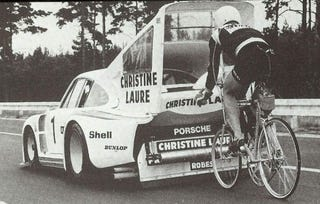 Illustration for article titled A Porsche, A Bicycling Record, And One Giant Sprocket