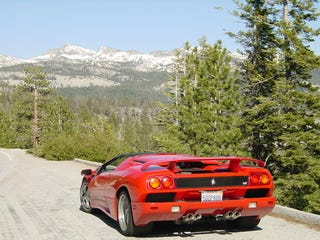 Illustration for article titled Doing Yosemite In A Lamborghini Diablo
