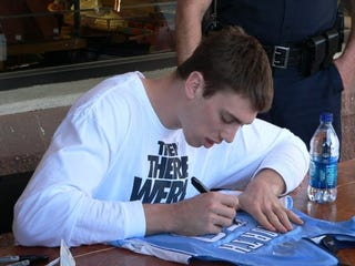 Illustration for article titled Don't Make Any Loud Noises While Tyler Hansbrough Writes His Name