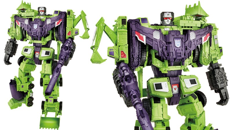 Illustration for article titled The Gigantic New Devastator Towers Over All Other Transformers