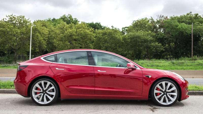 Tesla's $35,000 Model 3 Will Lose Money for the Automaker
