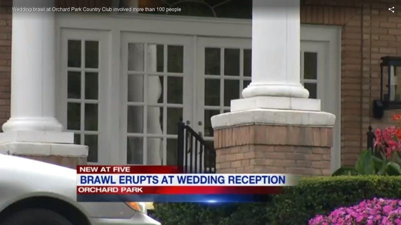 Illustration for article titled Country Club Wedding Allegedly Culminates in Hundred-Person Brawl