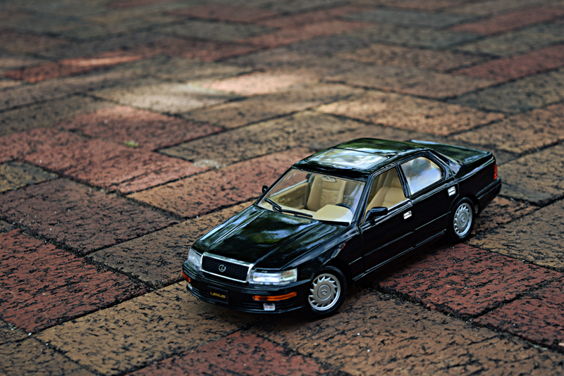 Illustration for article titled 1990 Lexus LS400 by Road Tough