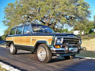 Illustration for article titled Every time I think I want a Wagoneer again...