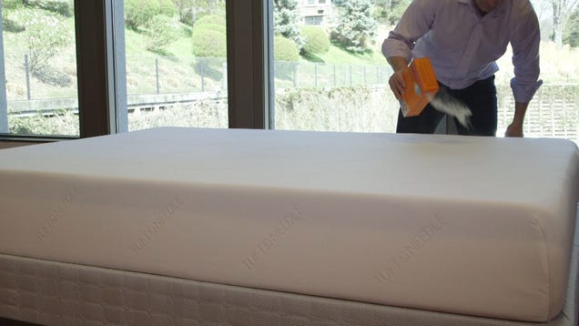 Clean and Freshen Your Mattress In Three Simple Steps