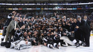 "Illustration for article titled L.A. Kings Win Stanley Cup; ""Mavs Win!"" Proclaims NBC Sports"