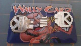 Illustration for article titled Turn an Old Credit Card into a DIY Wallet Key Holder