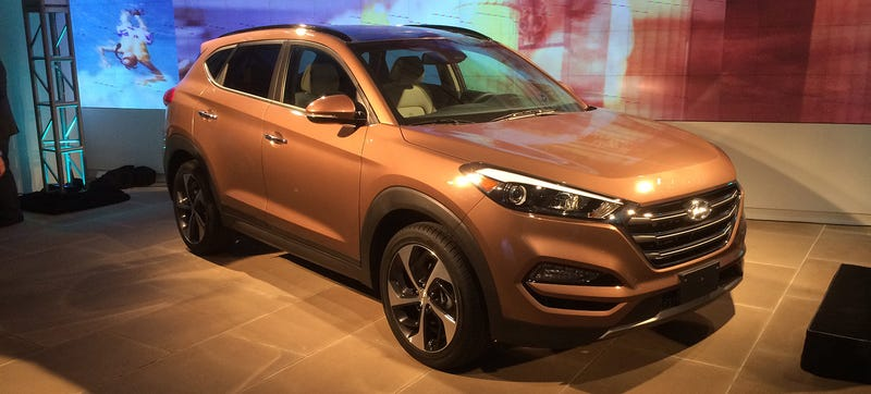 the santa cruz truck is why we care about the 2016 hyundai tucson. Black Bedroom Furniture Sets. Home Design Ideas
