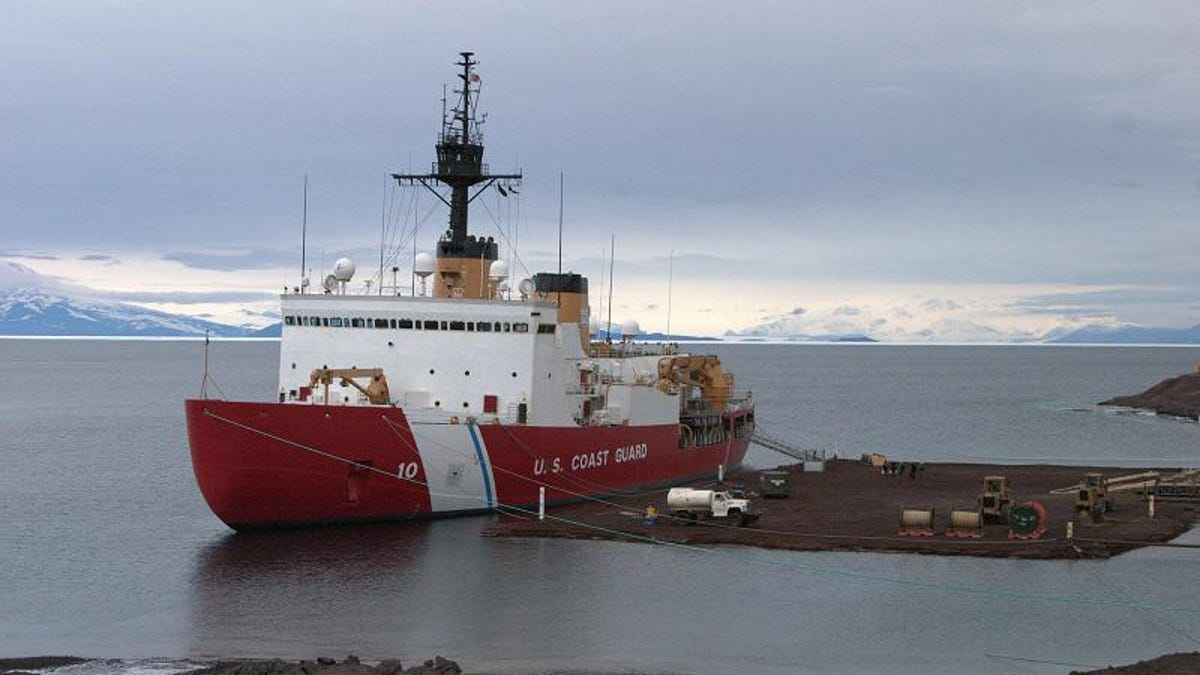 How Americas Aging Icebreaker Trudged Through Its Last Mission