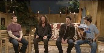 Illustration for article titled Celebrities Turn Up To Help Joseph Gordon-Levitt Deliver A Decent Episode Of SNL
