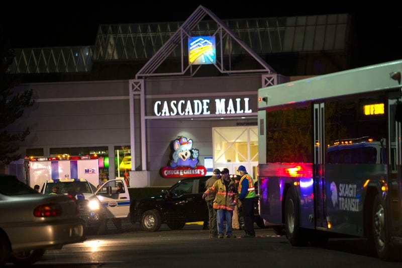 Police at the Cascade Mall in Burlington, Wash., following a shooting Sept. 23, 2016Karen Ducey/Getty Images