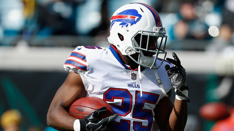 Illustration for article titled Reports: LeSean McCoy Is Unlikely To Be Charged, Coincidentally In Time For You To Root For Him Today