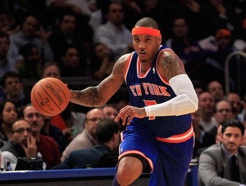 Illustration for article titled Dribbling Carmelo Anthony Demands Ball