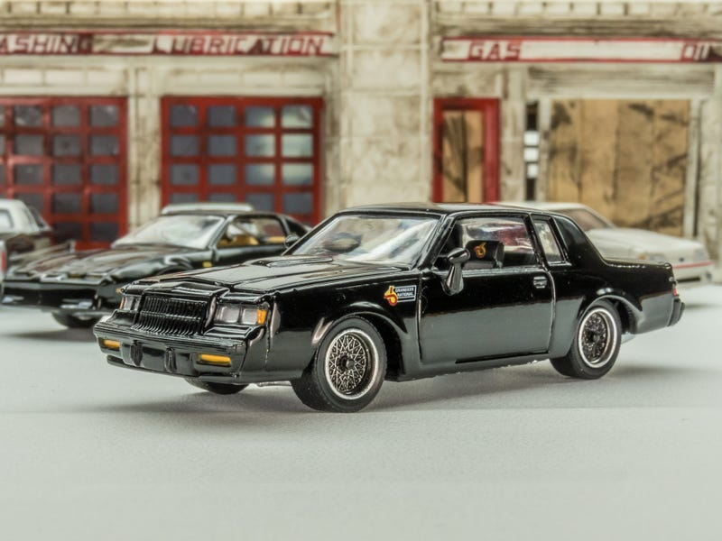 Illustration for article titled Ertl 1987 Buick Grand National 1:64 Scale Semi-Custom. Very picture heavy post....