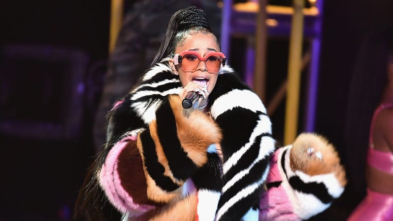 "Illustration for article titled Cardi B unloads on Trump and the government shutdown: ""Our country is in a hellhole right now"""