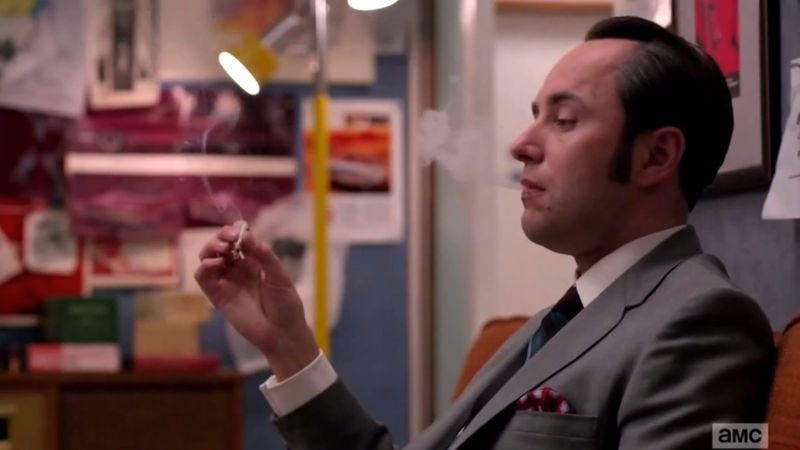 Illustration for article titled Hate Pete Now revels in Pete Campbell's inner gangster