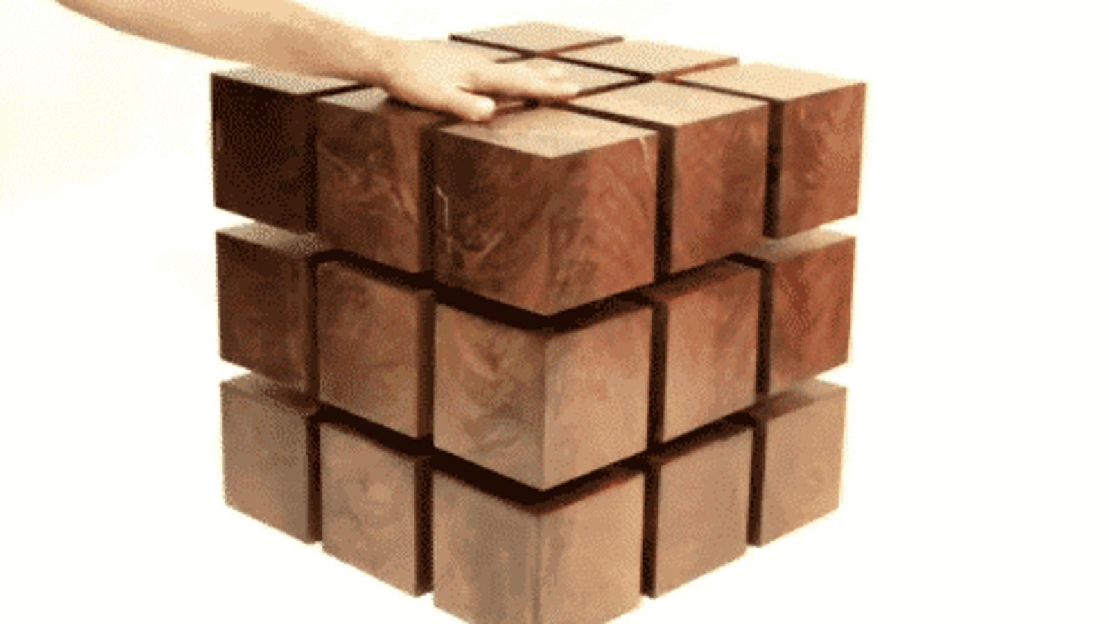"""La ingeniosa mesa """"flotante"""" hecha de cubos magnéticos"""