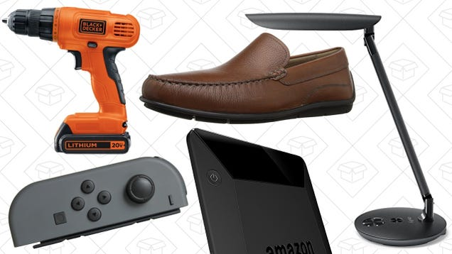 Today's Best Deals: Up To $50 Off a Kindle, ECCO Shoes, Anker Desk Lamp, and More