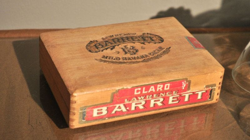 Illustration for article titled 10 Neat Things You Can Keep Inside An Old Cigar Box