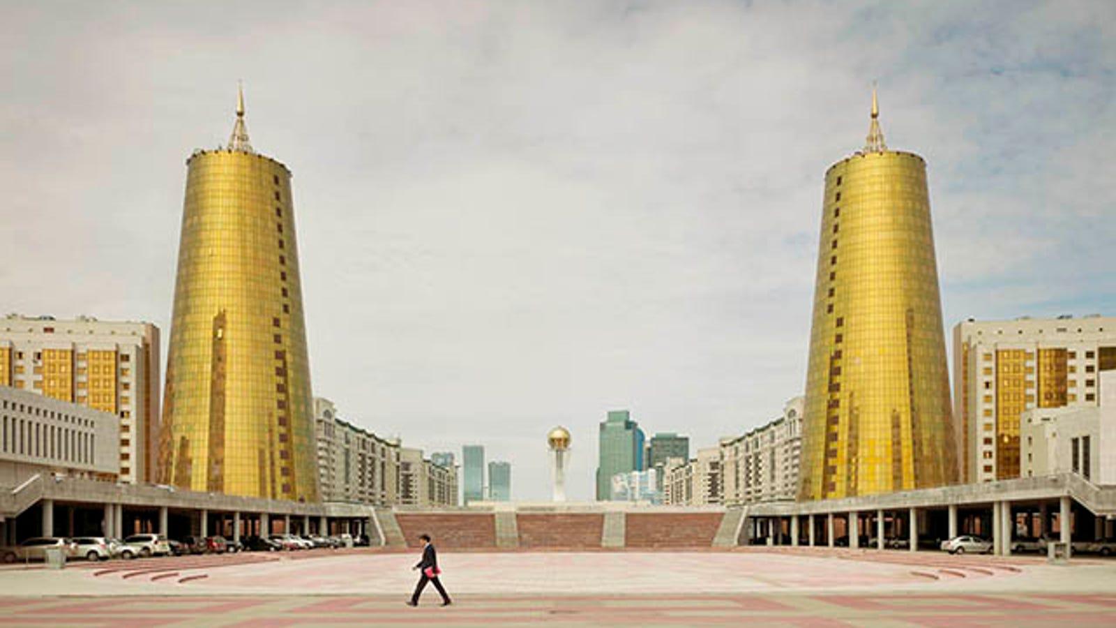 Los extraños y lujosos rascacielos de la era post-soviética