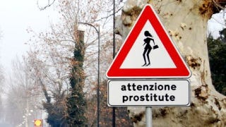 Illustration for article titled What's the weirdest road sign in the world?