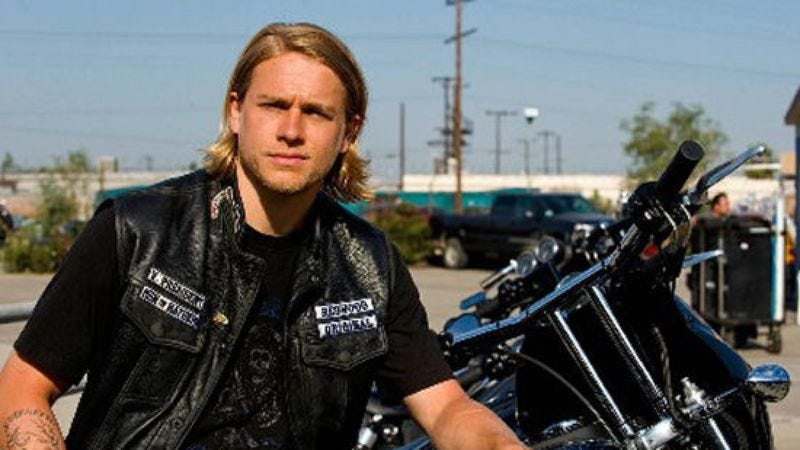 Illustration for article titled Sons Of Anarchy's Charlie Hunnam will battle Guilllermo del Toro's sea monsters