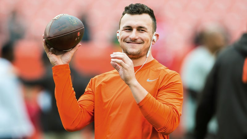Illustration for article titled Johnny Manziel Offers Refreshingly Lucid Defense Of Colin Kaepernick