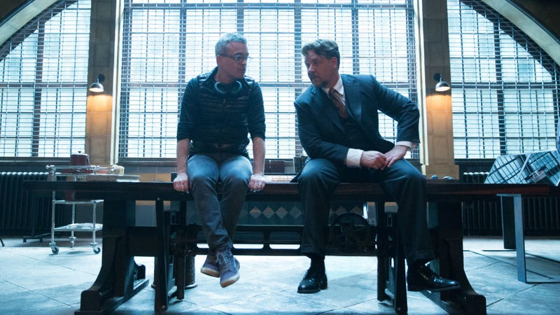 Alex Kurtzman and Russell Crowe on the set of The Mummy. Image: Universal