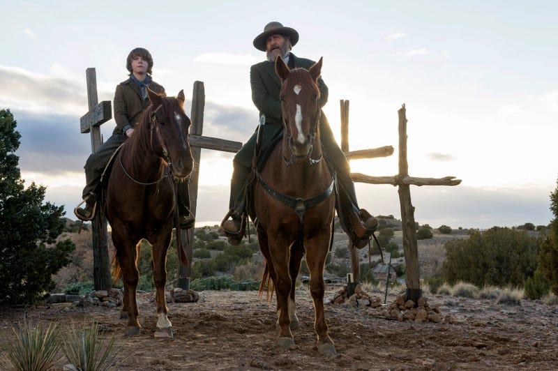Griffin Kane, Jeff Daniels (Photo: Ursula Coyote/Netflix)