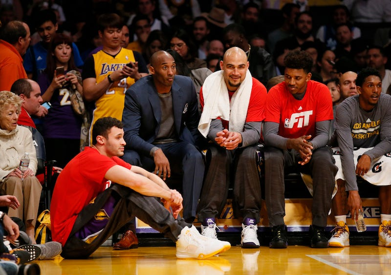 Illustration for article titled Larry Nance Jr. Graciously Gives Up Seat To Lost Old Man