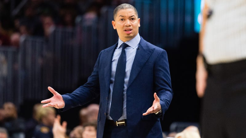 Illustration for article titled Cavs Coach Tyronn Lue Takes Leave Of Absence, Cites Health Issues